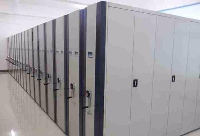 双驱动双向转动,结构紧凑,使密集架前后同步达到档案柜佳效果.